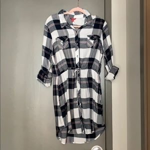 Guess Plaid ¾ sleeve long tunic or dress.